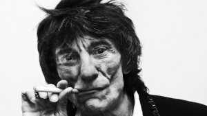 Ronnie Wood famous celeb vaper of e cigs UK OK E-Cigs