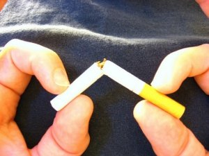 Quit smoking by switching to electronic cigarette starter kits