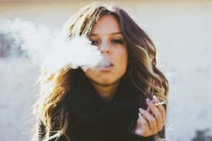 Woman smoking more toxic than e-liquids UK by OK E-Cigs