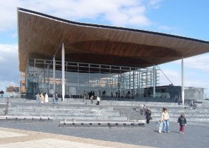 Opposition to Welsh Assembly banning e-cigarettes in public places in Wales